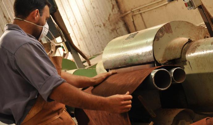 e536cd499 Por importaciones ya cerraron 39 empresas de la industria del cuero